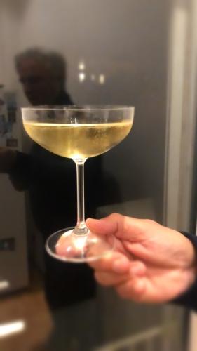 coupe champagne oui.jpeg