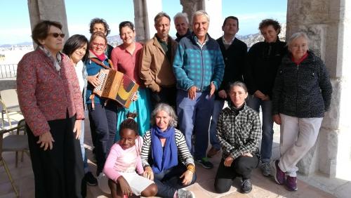 Le groupe au temple Frioul.jpg